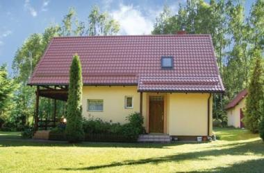 Three-Bedroom Holiday Home in Golubie